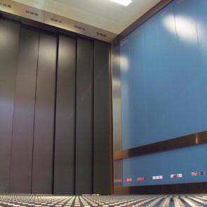 ascenseur-voiture-cabine-interieur