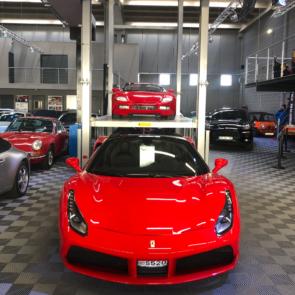 Monte voiture Leader MVNA Ferrari